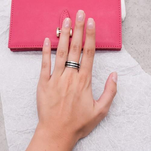 Женское кольцо Swarovski с циркониями черного цвета