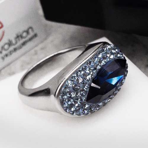 Женское кольцо с кристаллами Swarovski синего цвета