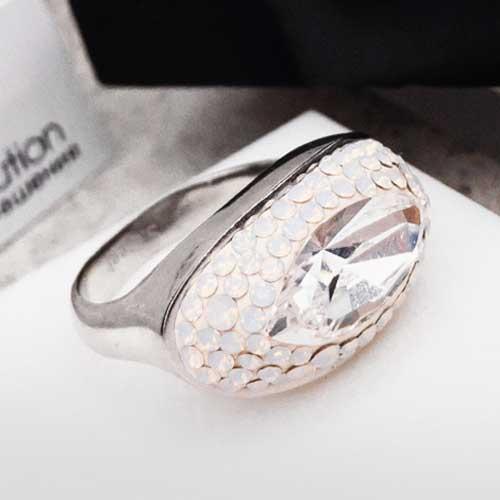 Женское кольцо с кристаллами Swarovski цвета хамелеон