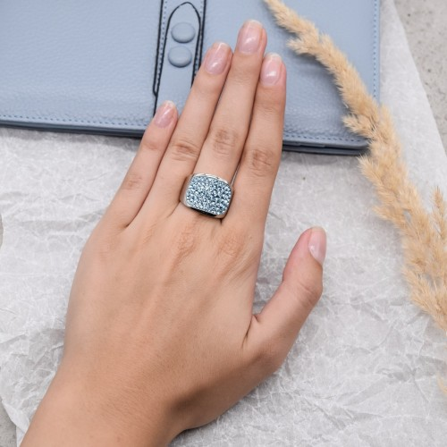 Женское кольцо с кристаллами Swarovski цвета аквамарин