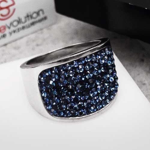 Женское кольцо с кристаллами Swarovski темно-синего цвета