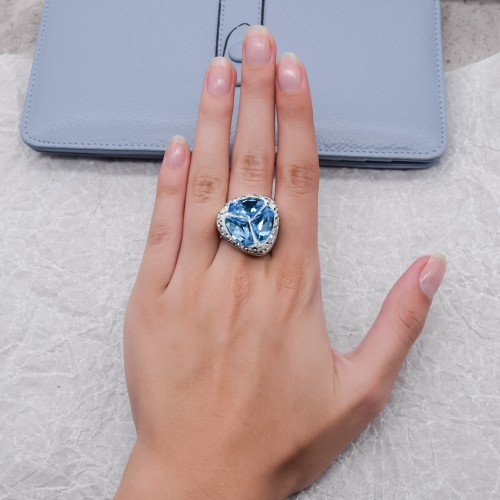 Женское кольцо-перстень с голубым кристаллом Swarovski