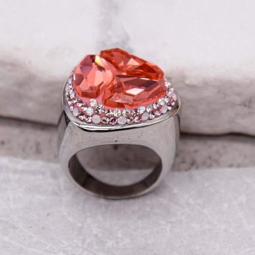 Женское кольцо-перстень с кристаллом лососевого цвета Swarovski