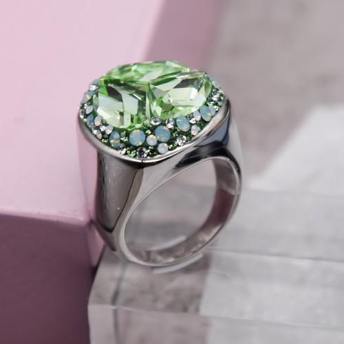 Женское кольцо-перстень с зеленым кристаллом Swarovski