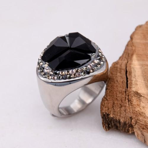 Женское кольцо-перстень с темно-серым кристаллом Swarovski