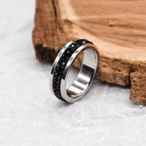 Женское кольцо Swarovski с кристаллами черного цвета