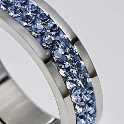 Женское кольцо Swarovski с кристаллами светло-голубого цвета