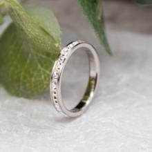 Женское тонкое кольцо Swarovski с кристаллами-хамелеонами