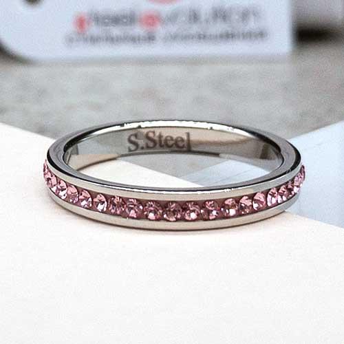 Женское тонкое кольцо со светло-розовыми кристаллами Swarovski
