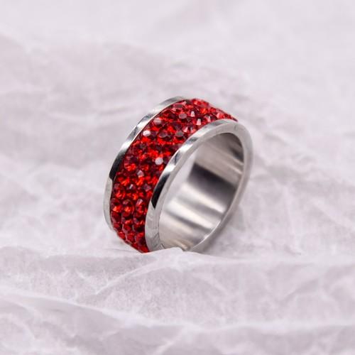 Женское кольцо с красными кристаллами Swarovski