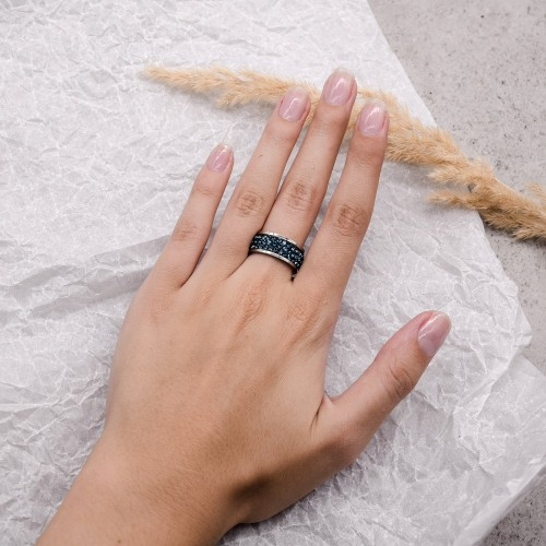 Женское кольцо с темно-синими кристаллами Swarovski
