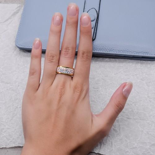 Женское кольцо с кристаллами-хамелеонами Swarovski под золото