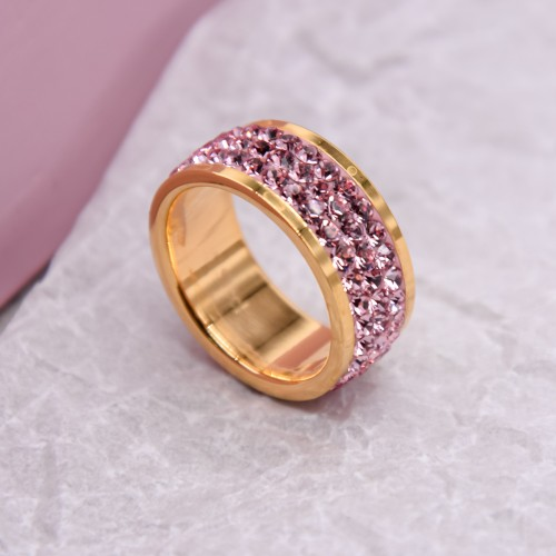 Женское кольцо с кристаллами розового цвета Swarovski под золото