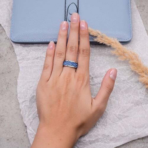 Женское кольцо с кристаллами сапфирового цвета Swarovski