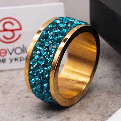 Женское кольцо с кристаллами изумрудного цвета Swarovski под золото