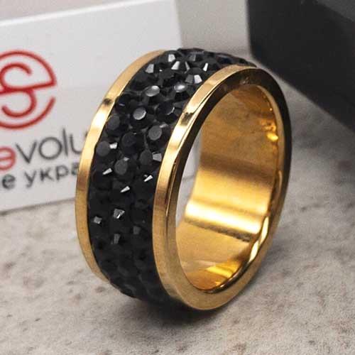 Женское кольцо с черными кристаллами Swarovski под золото
