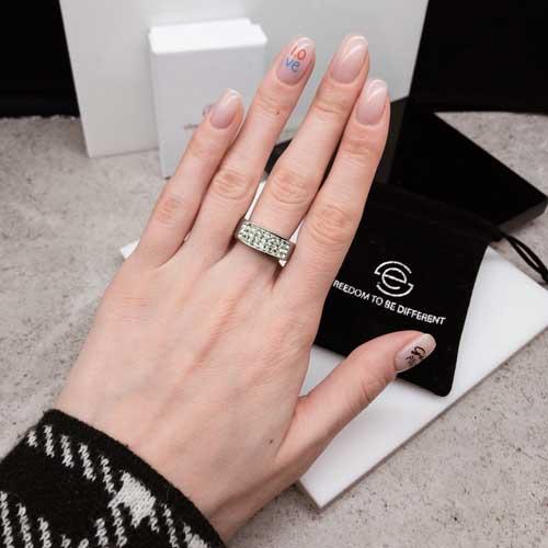 Женское кольцо Swarovski Crystal с кристаллами светло-зеленого цвета