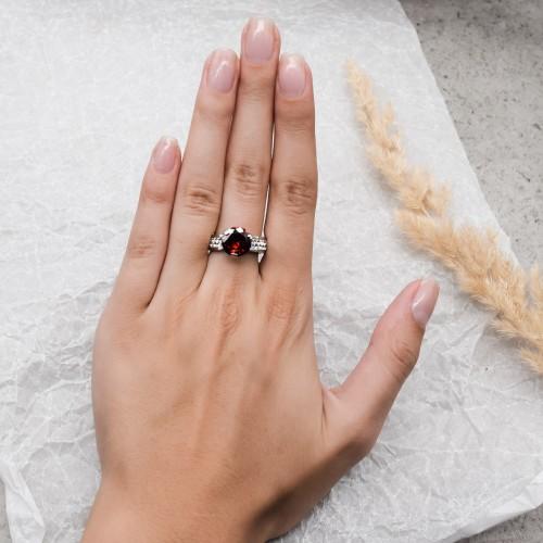 Женское кольцо Swarovski Crystal с красным камнем