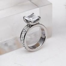 Оригинальное кольцо для помолвки с квадратным камнем Swarovski Crystal