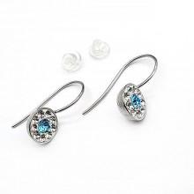 Сережки на круглой скобе-застежке с кристаллами Swarovski