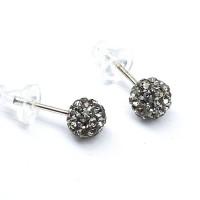 Серьги-гвоздики в виде шариков с серыми кристаллами 6 мм