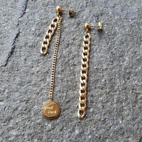 Женские ассиметричные серьги-гвоздики с подвеской Good Luck