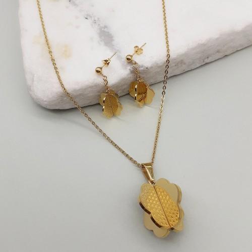 Вечерний гарнитур женских украшений из медицинского золота Цветок-лепесток