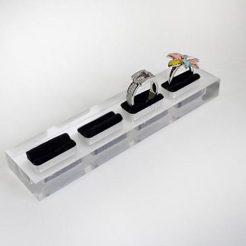 Акриловая подставка под кольца и запонки