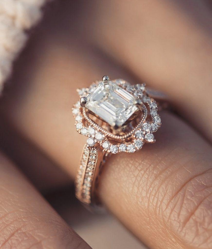 Красивое кольцо на помолвку из стали