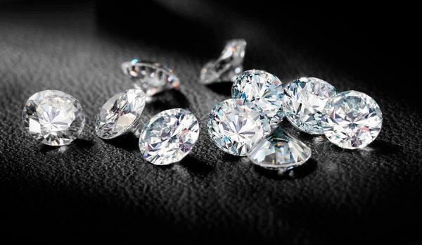 Как изобрели кристалл Сваровски? История бренда